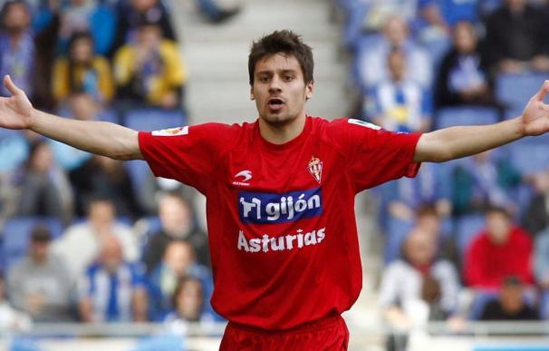 Canella será baja en el Sporting para jugar en Málaga