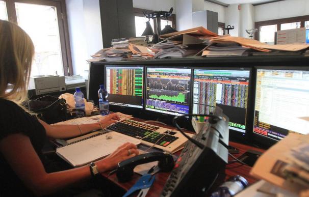Italia capta 567 millones de euros en bonos a 15 años a más de 7 por ciento de interés