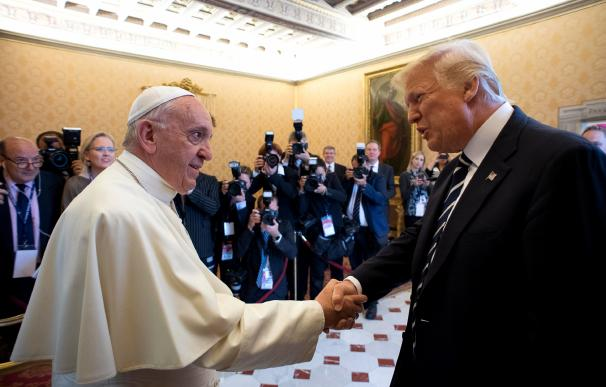 """Trump visita al papa Francisco en el Vaticano: """"Es un gran honor estar aquí"""""""