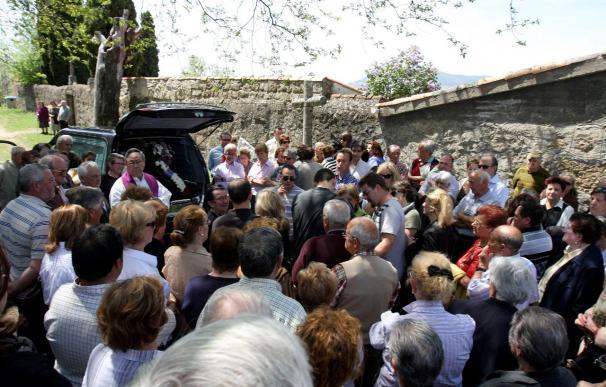 Familiares y amigos despiden al taxista muerto tras ser tiroteado en Salamanca