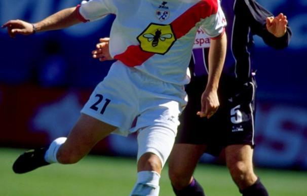 """Jon Pérez """"Bolo"""", en un partido con el Rayo Vallecano en la temporada 1999/2000"""