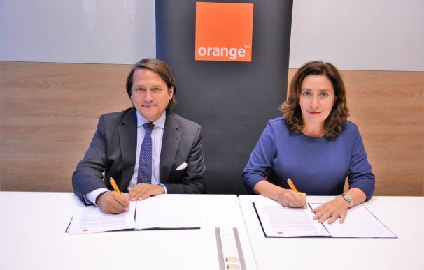 Orange se suma al proyecto Universo Santi, el restaurante atendido por personas con discapacidad en Jerez