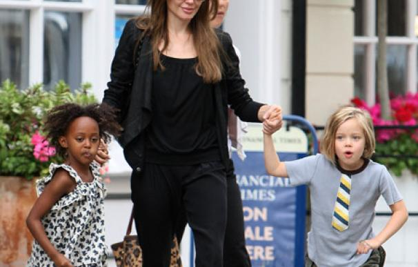 Angelina Jolie cree que nunca será tan buena como su madre
