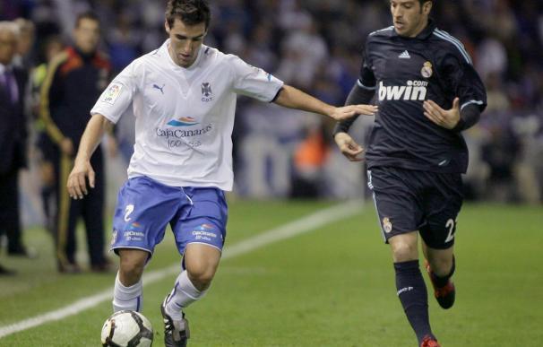El jugador del Tenerife Bertrán dice que ganarle al Atlético supondría dar un golpe muy importante