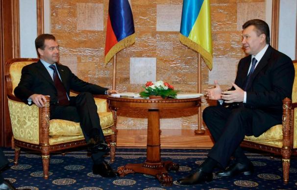 Rusia mantiene por otros veinticinco años su flota en Ucrania a cambio de gas barato
