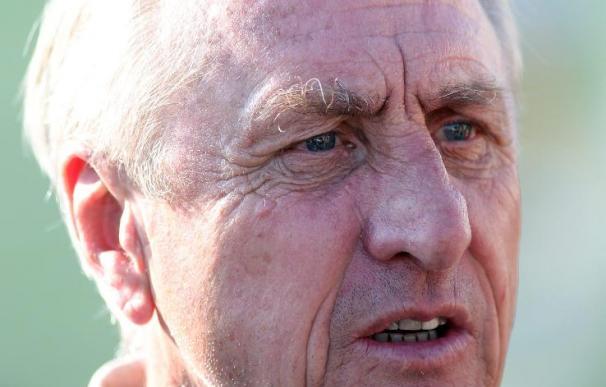 """Cruyff cree que """"Xavi merece el Balón de Oro"""""""
