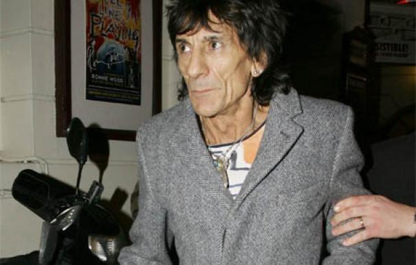 Ronnie Wood ensaya para un nuevo concierto de los Stones