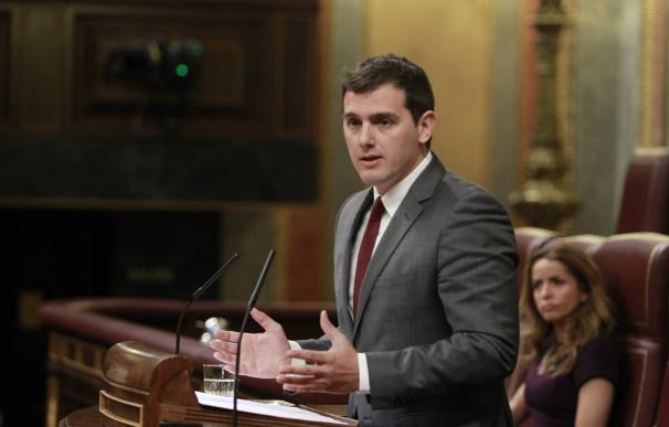 Rivera saca el tema de la financiación de Venezuela en el Congreso y Podemos rechaza la acusación