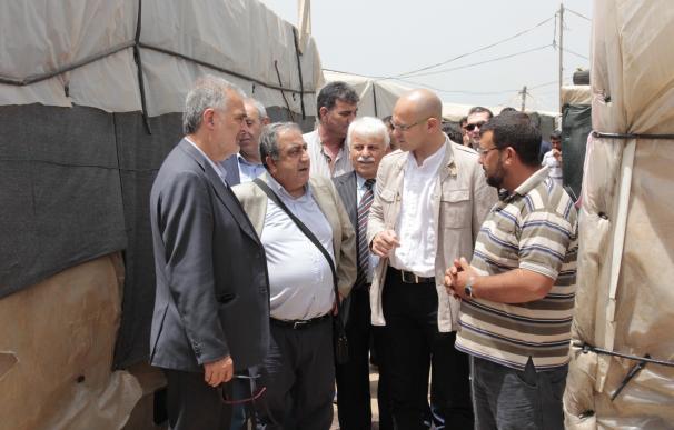 Romeva reafirma el compromiso con los refugiados al visitar un campo de refugiados en Líbano