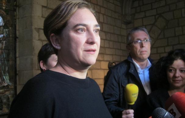 """Colau cree que """"se ha pasado de pantalla demasiado rápido"""" y pide volver al referéndum"""