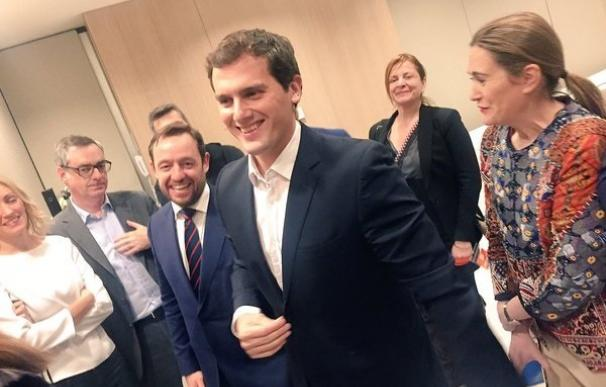 Rivera afirma que si no consigue gobernar liderará la oposición