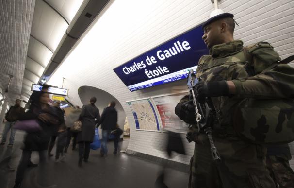 """Tras los atentados crece para Francia la tentación de imitar la """"Patriot Act"""" de EEUU"""