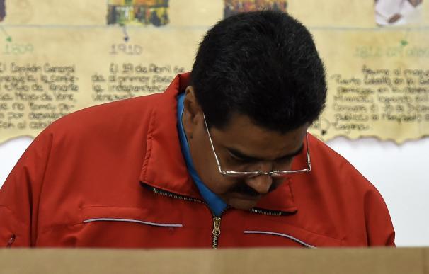 Nicolas Maduro asume la derrota en las legislativas de Venezuela