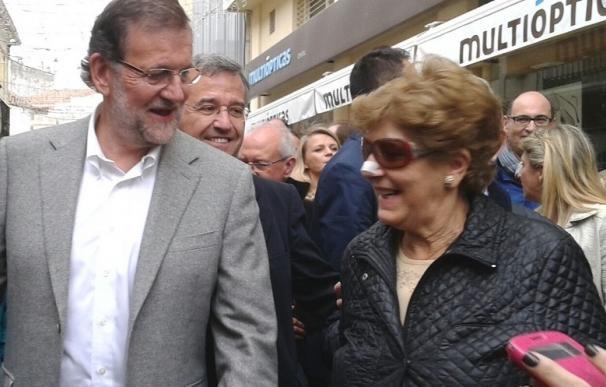 """Rajoy pide tener fe en la victoria del PP y dice que no le gusta lo que está """"oyendo"""" sobre pactos para echarle"""
