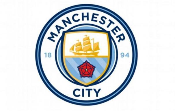 Se filtra el nuevo escudo del Manchester City / @MailSport.
