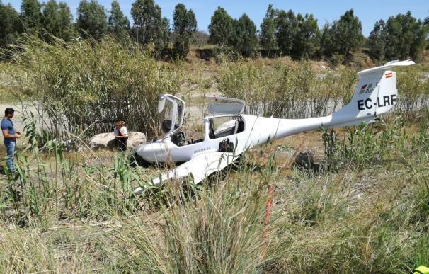 Ilesos tres ocupantes de una avioneta que se salió de pista en el aeródromo de Vélez-Málaga