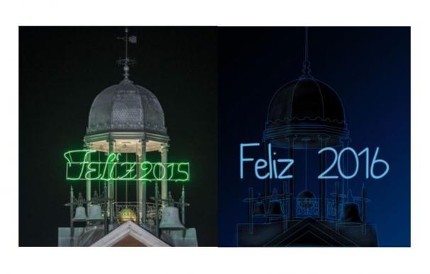 Cambio de rótulo en el reloj de la Puerta del Sol