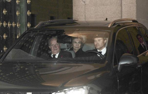 Los Reyes Juan Carlos y Sofía asisten hoy a la celebración del 70 cumpleaños del monarca sueco