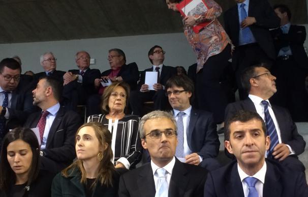 Puigdemont y Mas encabezan un homenaje póstumo a José Manuel Lara en Aula Escola Europea