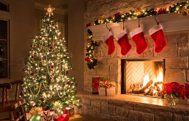 Prohíben los árboles de Navidad naturales y artificiales en las escuelas y universidades