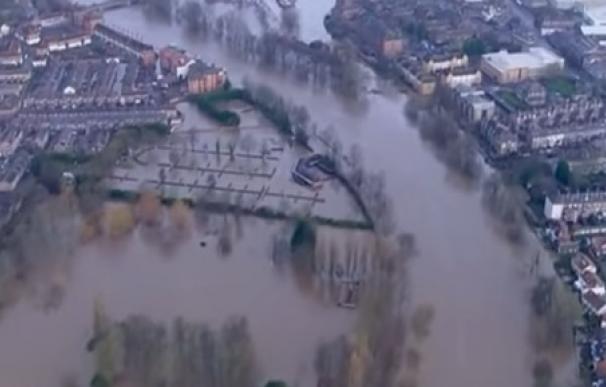 Los efectivos del Ejército han evacuado entre 300 y 400 personas de sus casas en York