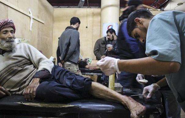 Varios enfermos en un hospital sirio /AFP