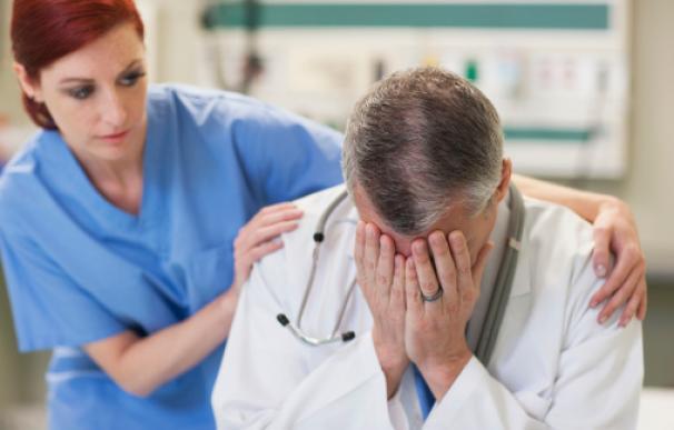 Los médicos demuestran que no son de acero.