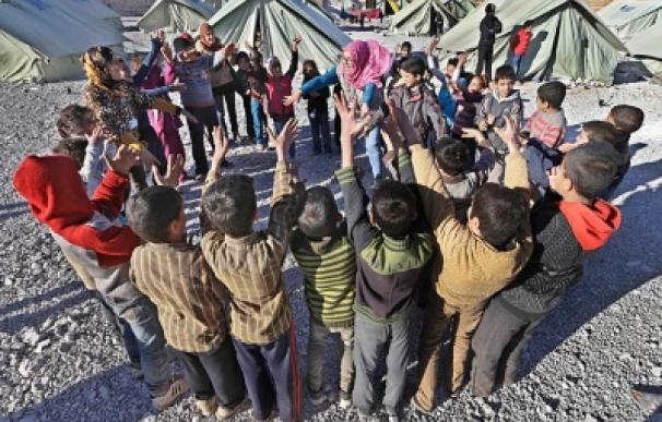 Niños sirios jugando