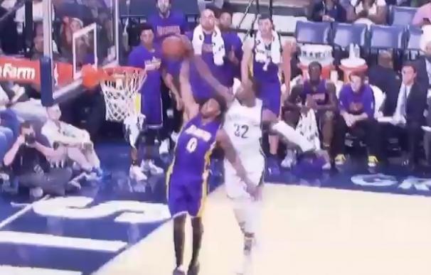 El tremendo tapón de Green ante Nick Young / NBA