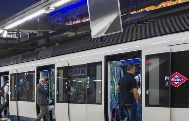 Tres personas resultan heridas de una paliza en el metro Nuevos Ministerios