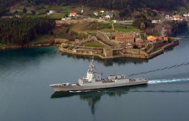 Atraca en el Arsenal de Ferrol la fragata integrada en la OTAN 'Blas de Lezo', tras un despliegue de casi tres meses