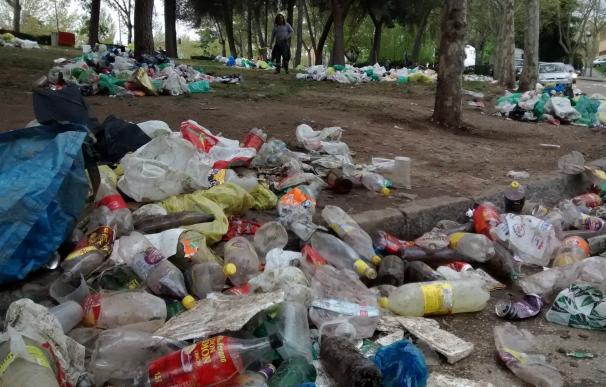 Los servicios de limpieza recogen 200 metros cúbicos de residuos tras la fiesta de 'San Cemento'