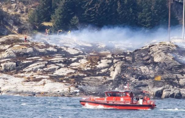 Mueren 13 personas por el accidente de un helicóptero frente a la costa noruega