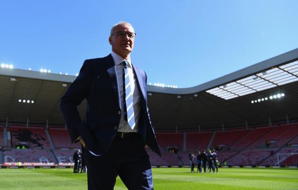 Los fans del Leicester emocionan a Ranieri en un vídeo de agradecimiento