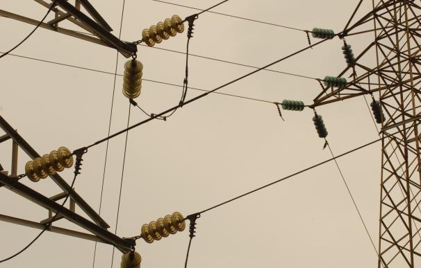 La demanda de electricidad crece un 6,4% en abril