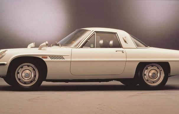 Mazda celebra el 50 aniversario del Cosmo Sport, el primer coche del mundo con un motor de dos rotores