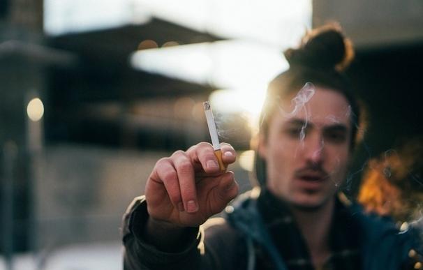 La SETH recuerda que dejar de fumar podría reducir en un 15% las enfermedades del aparato circulatorio
