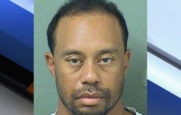 Arrestan en Florida a Tiger Woods por conducir borracho y drogado
