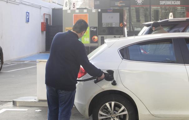 El IPC interanual baja siete décimas en mayo, hasta el 1,9%, por la gasolina y los paquetes turísticos