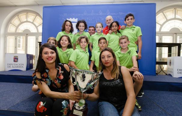 La Diputación recibe al equipo alevín del C.D. Viator, reciente campeón de Andalucía de Fútbol Sala