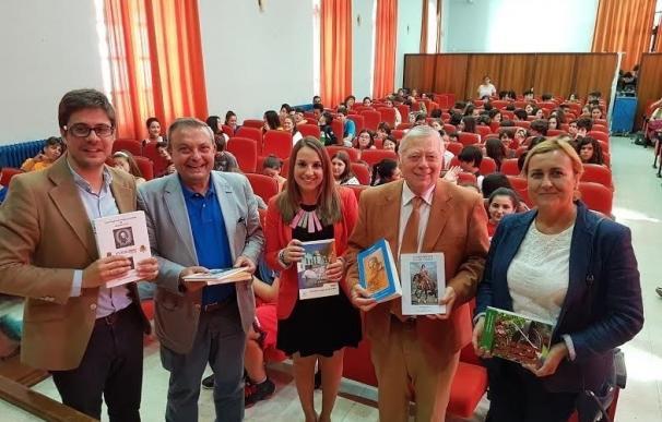 Cultura y la Real Academia de Córdoba donan más de 1.500 publicaciones a centros educativos