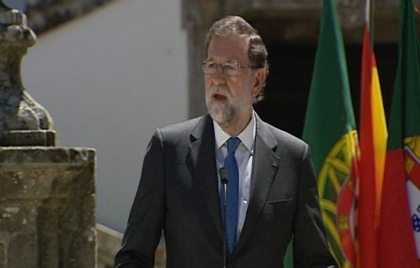 """Rajoy, sobre si apoya al ministro luso de Finanzas para el Eurogrupo: """"Siempre preferimos a amigos que a desconocidos"""""""