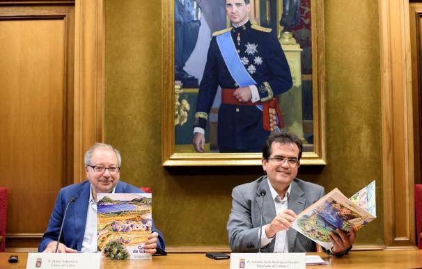 Pedro Tabernero edita el libro 'Cabo de Gata', con textos e ilustraciones sobre el Parque Natural