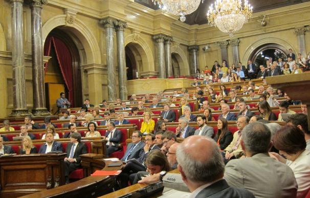 El Parlament debatirá sobre la ley de la comunidad catalana en el exterior y sobre corrupción
