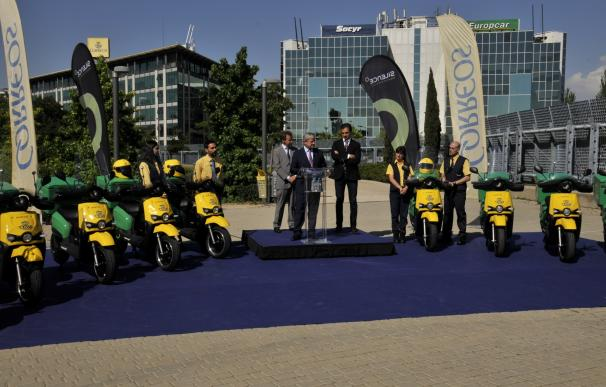 Correos incorpora 200 motos eléctricas a su flota de reparto