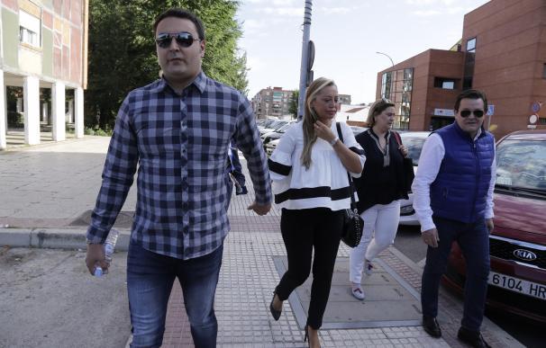 Belén Esteban llega puntual a su juicio contra Toño Sanchís