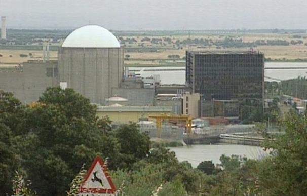 (Ampliación) El CSN aprueba recortar el plazo para que las nucleares pidan renovar