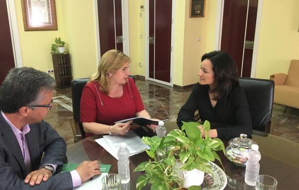 La delegada del Gobierno andaluz destaca la labor social, educativa y de fomento de la inclusión de la ONCE