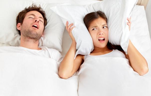 El ronquido fuerte y la apnea del sueño pueden ser una señal de deterioro temprano de la memoria y el pensamiento