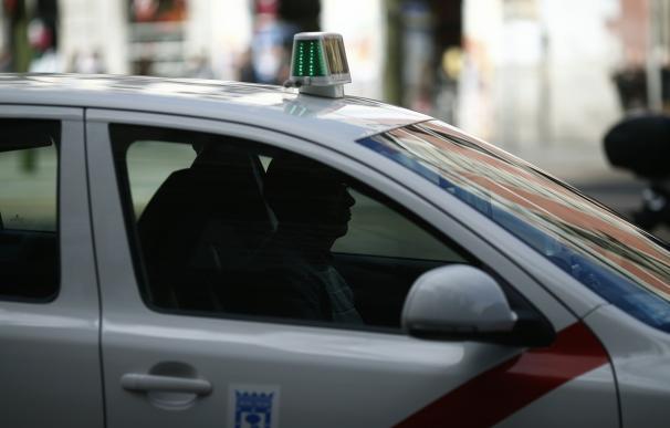 Los taxistas no circulan por el centro de Madrid, que ya presenta cortes por la manifestación contra Uber y Cabify